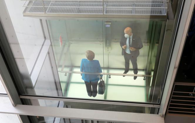 La chancelière allemande, Angela Merkel, après avoir été interrogée par une commission d'enquête sur Wirecard,le 23 avril 2021, à Berlin.