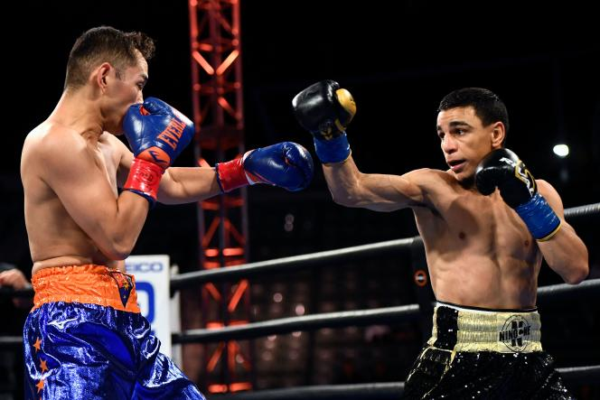 Le Français Nordine Oubaali (à droite) face au boxeur philippin Nonito Donaire, le 29 mai à Carson en Californie.