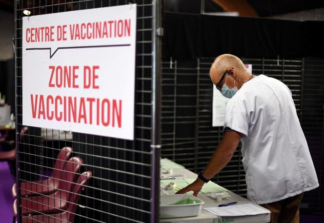 Un centre de vaccination à Garlan, dans l'ouest de la France, en mai 2021.