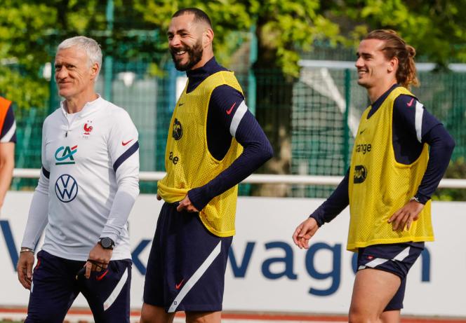 Didier Deschamps, Karim Benzema et Antoine Griezmann àClairefontaine, le 27 mai.