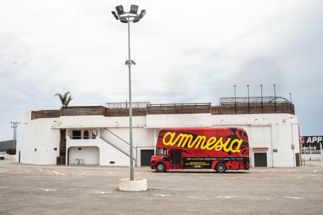 A l'extérieur de la discothèque Amnesia, l'une des références de la vie nocturne d'Ibiza, le 27 mai 2021.