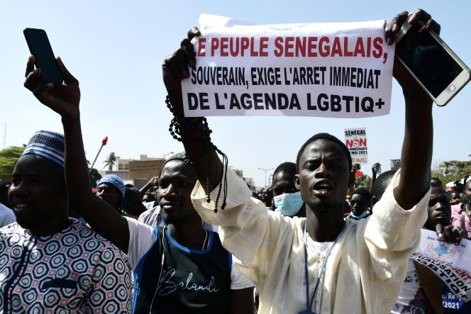 Manifestation contre l'homosexualité organisée par des associations religieuses, le 23 mai 2021, sur la place de l'Obélisque à Dakar.