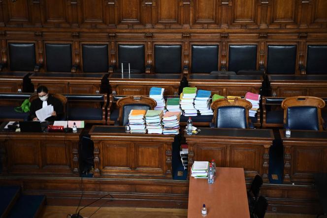 Dans la salle d'audience du procès de Bernard Tapie, au palais de justice de Paris, le 10 mai 2021.