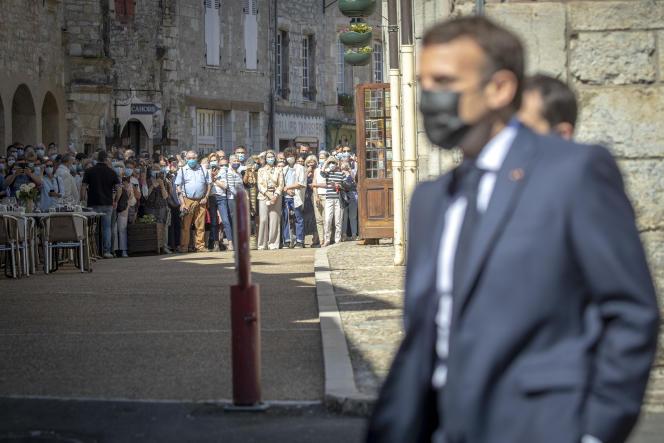 Emmanuel Macron, président de la république, visite le village de Martel le 3 juin 2021.