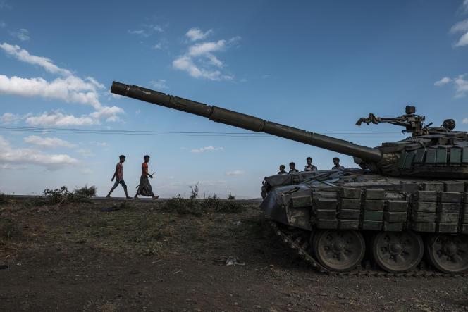Un char abandonné par les forces tigréennes près de Mehoni, dans le nord de l'Ethiopie, en décembre 2020.