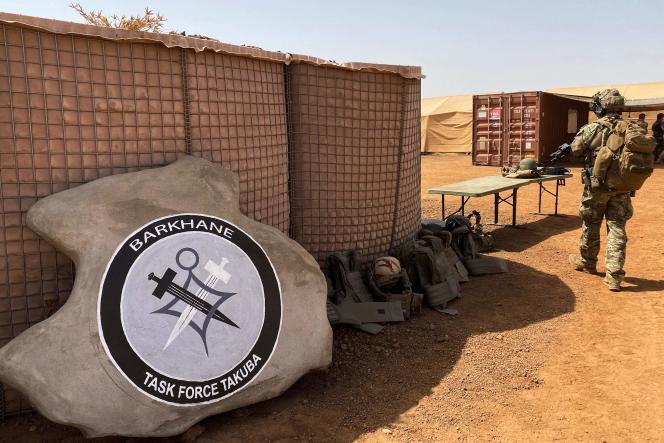 Logo de « Takuba», la task force européenne au Mali, composée de soldats français, estoniens, tchèques et suédois, entre autres, dont le déploiement a commencé début 2021. Base de Menaka, le 3 novembre 2020.