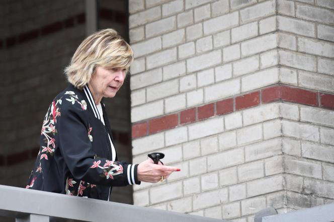 Michèle Marchand rend visite au couple Macron, au Touquet (Pas-de-Calais), le 22 avril 2017, la veille du premier tour de l'élection présidentielle.