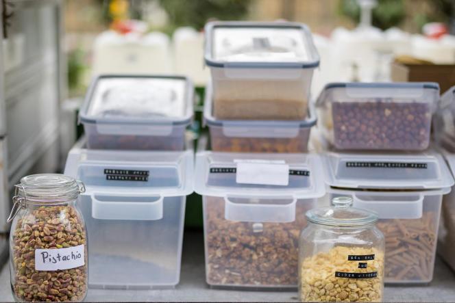 Des aliments achetés en vrac et conservés en bocaux: une des pistes pour moins de gaspillage et de déchets.