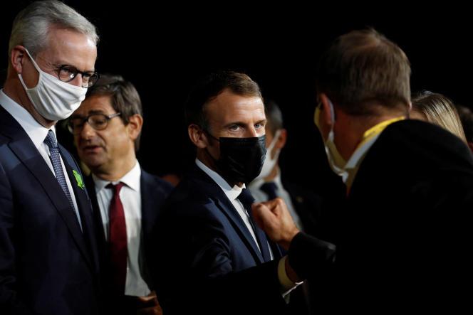 Bruno Le Maire, ministre de l'économie et des finances, et Emmanuel Macron, à Paris, en octobre 2020.