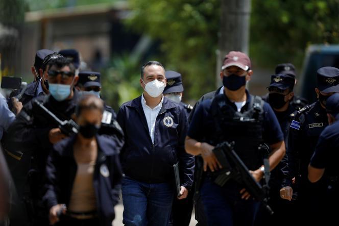 رودولفو دلگادو دادستان کل سالوادورا در 21 مه 2021 در چالچوپا.