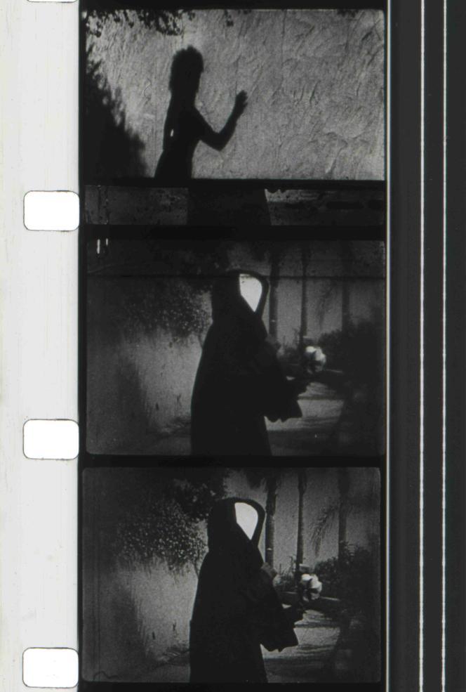 Maya Deren: «Dans les rets de l'après-midi [Meshes of the Afternoon]» (1943), film de 14 min sur DVD