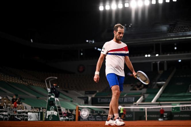 Come Richard Gasquet, che è stato bruscamente sconfitto da Rafael Nadal, il 3 giugno a Parigi, il tennis francese è in cerca di respiro.