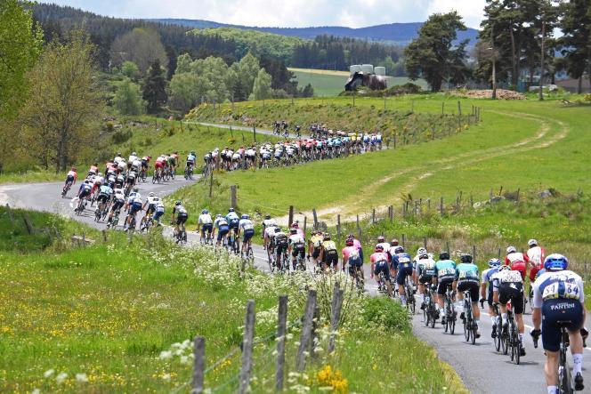 La seconde étape du Critérium du Dauphiné, entre Brioude et Saugues, dans la Haute-Loire, le 31 mai.