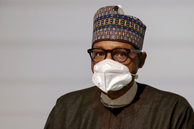 Muhammadu Buhari, le président nigérian, à Paris, le 18 mai 2021. Cet ancien général a combattu la rébellion lors de la guerre au Biafra.