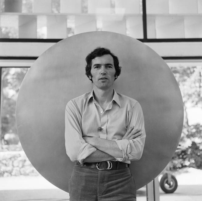 Raoul Sangla, sur le tournage de l'émission «L'invité du dimanche», à la Fondation Maeght, le 26 juin 1969.