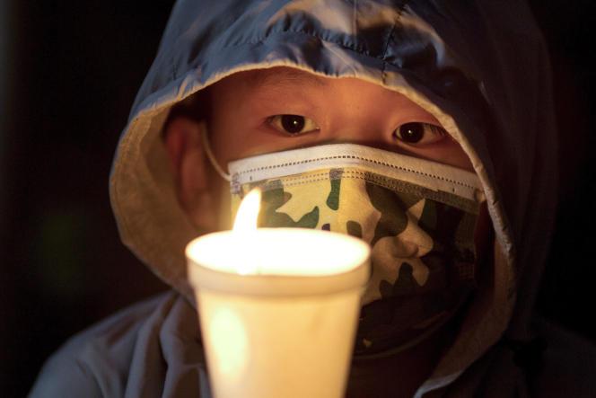 El viernes, los usuarios de la popular aplicación WeChat ya no pudieron usar el emoticón de vela encendida, un símbolo que podría verse como un tributo a las víctimas de la masacre de la Plaza Tiananmen.