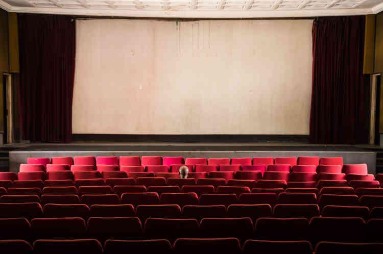 La salle principale du cinéma Le Capitole située à Bouaké, en mai 2021. Fermée depuis plusieurs années, elle sera réhabilitée avec notamment l'appui de l'ambassade de France.