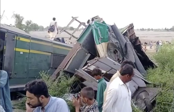 On Monday, June 7, paramedics were called to the scene to rescue an unidentified number of passengers trapped in the wreckage of the Millat Express near the Pakistani city of Taharki.