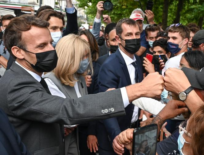 Emmanuel Macron and his wife, Brigitte Macron, during their visit to Valence, in the Drôme, on June 8, 2021.