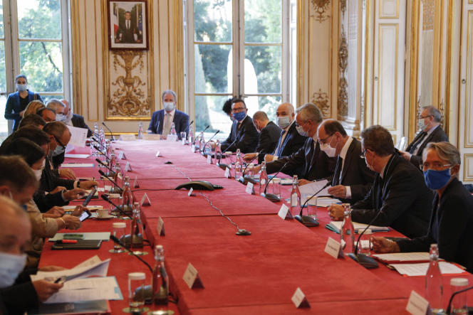 Réunion des partenaires sociaux sur la réforme des retraites, à Matignon, le 26 octobre 2020.