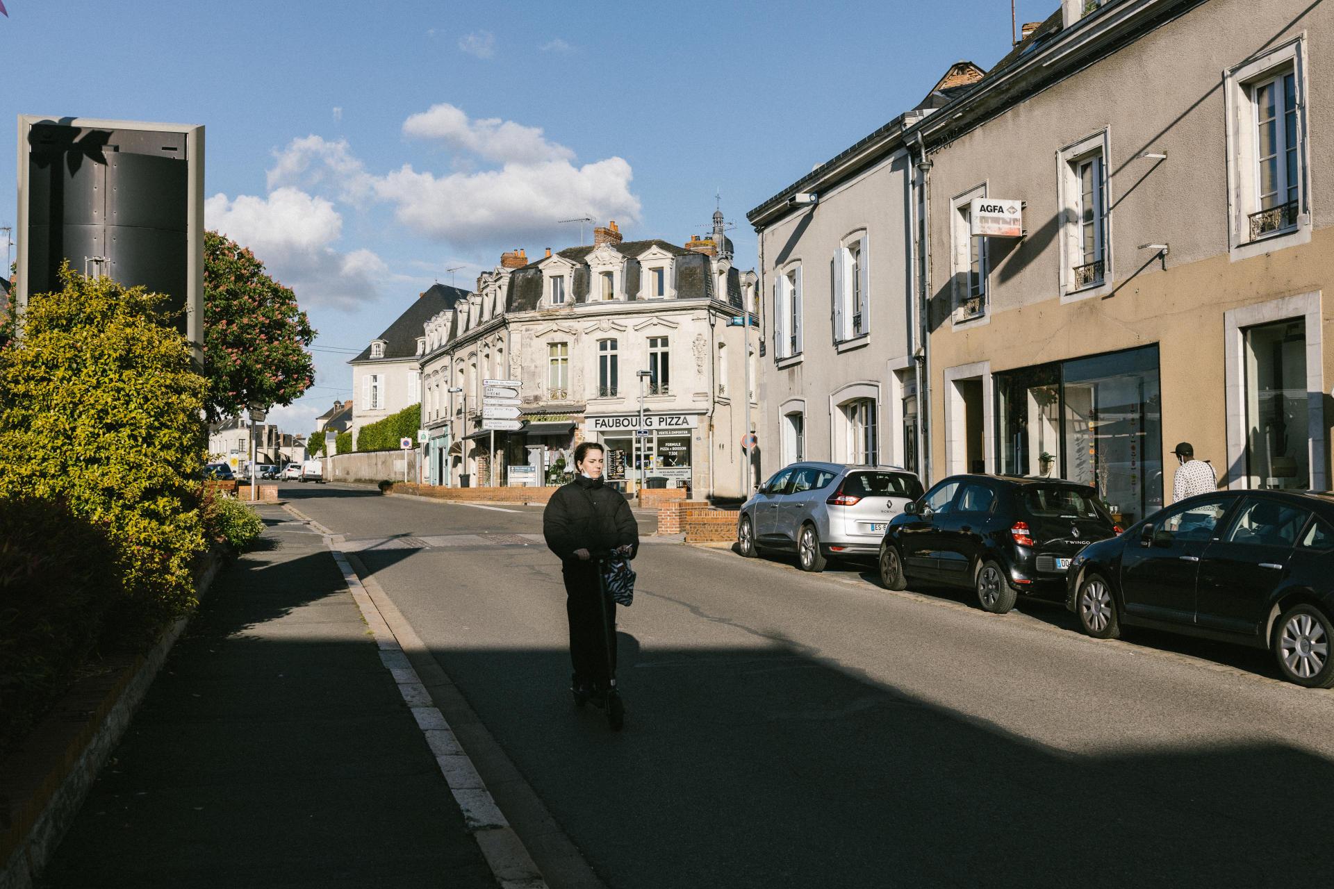 Chateau-Gontier, Mayenne, le 18 mai 2021. Ville de Château-Gontier en fin de journée.
