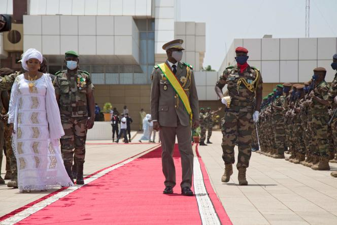 President Assimi Goïta facing the Malian Armed Forces during his inauguration in Bamako on June 7, 2021.