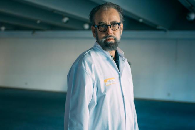 Denis Malvy, au CHU de Bordeaux.