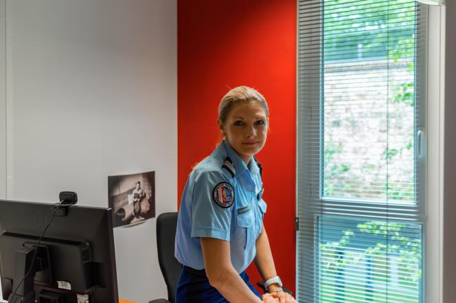 Maddy Scheurer, porte-parole de la gendarmerie nationale, dans son bureau, le 4juin 2021.