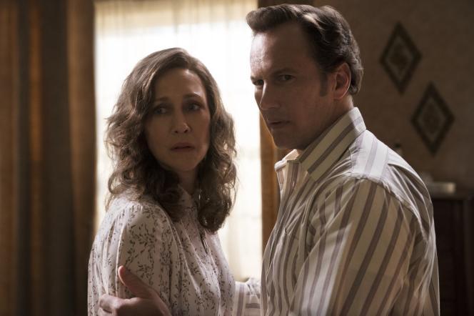Lorraine Warren (Vera Farmiga) et son mari Ed (Patrick Wilson) dans«Conjuring 3, sous l'emprise du diable», de Michael Chaves.