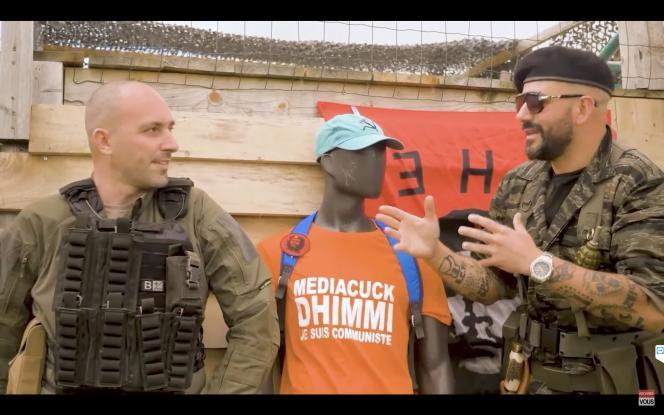 Capture d'écran de la vidéo du youtubeur Papacito (à droite) dans laquelle, avec un autre blogueur nationaliste, il simule le meurtre d'un militant «insoumis».