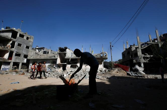 A Gaza, le 9 juin 2021, près des décombres de maisons détruites lors des frappes aériennes israéliennes.