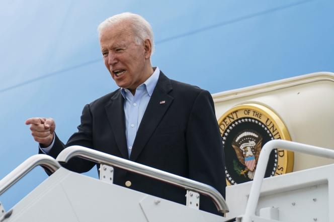 On June 9, 2021, US President Joe Biden ascends Air Force One from the Andrews Base (Maryland).  His plane will take him on his first voyage to the United Kingdom, Belgium, and then to Switzerland.  Abroad since the beginning of his presidency.