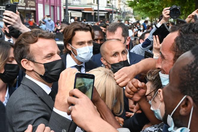 Emmanuel Macron lors d'une visite à Valence (Drôme), le 8 juin 2021.