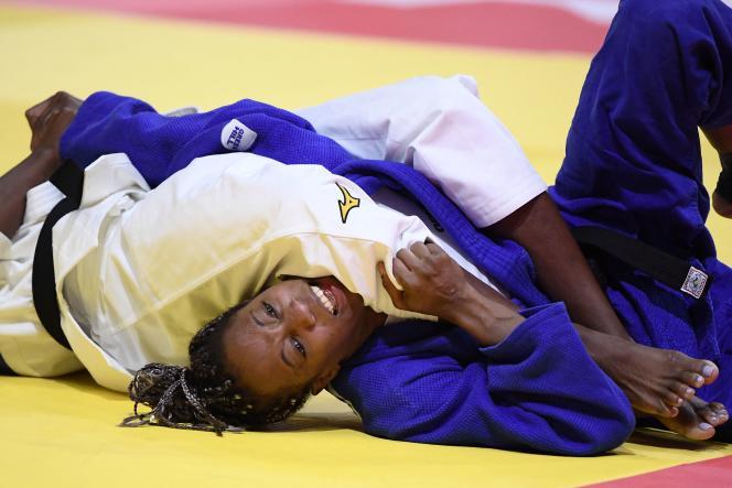 Clarice Agpegno tijdens haar gevecht, woensdag 9 juni.