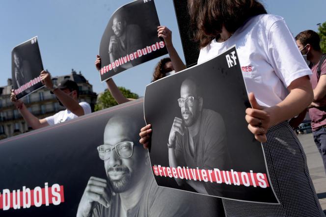 Lors de la manifestation de soutien à Olivier Dubois, à Paris, le 8juin 2021.