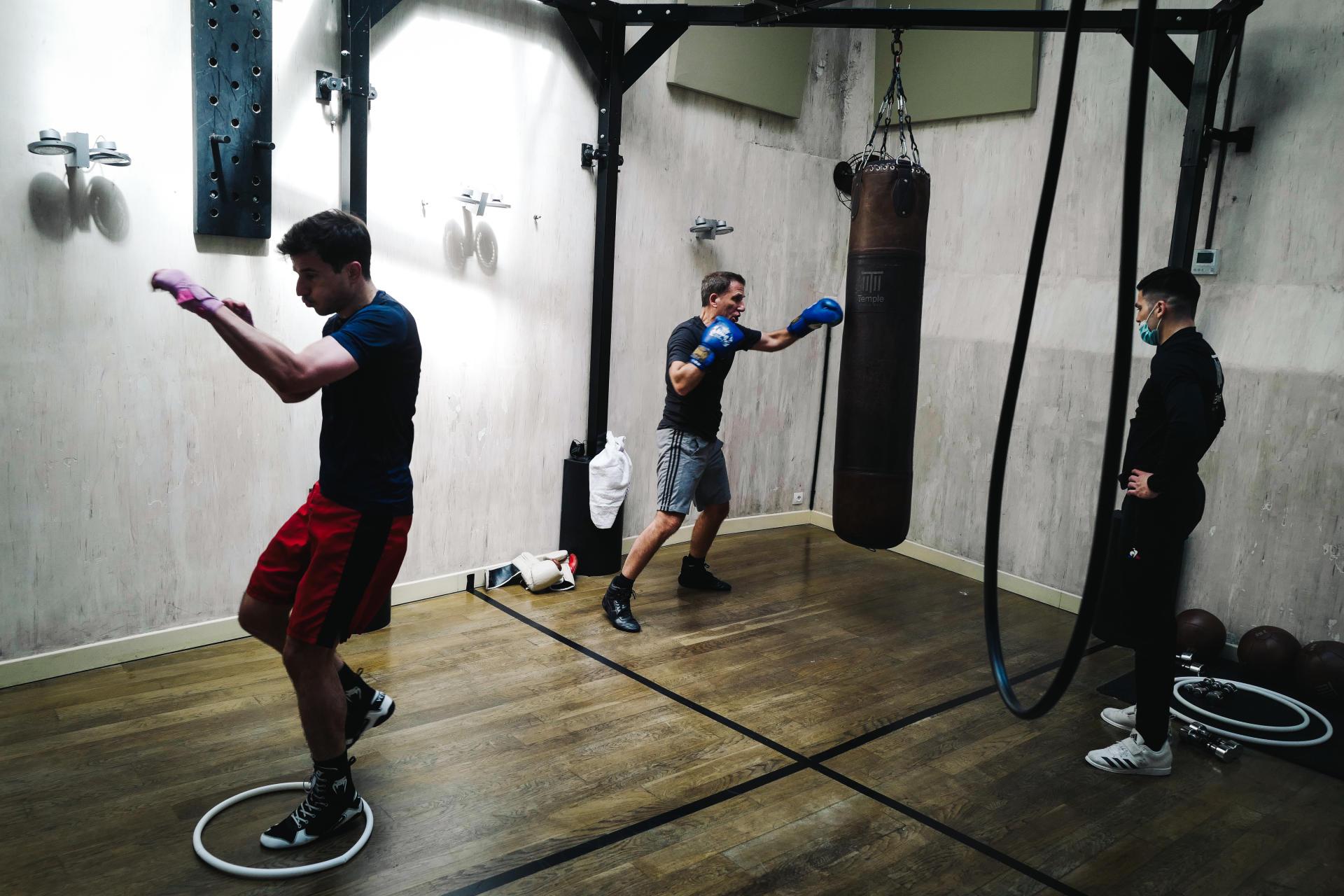 Au club de boxe le Temple Noble Art à Paris le 9 juin 2021.