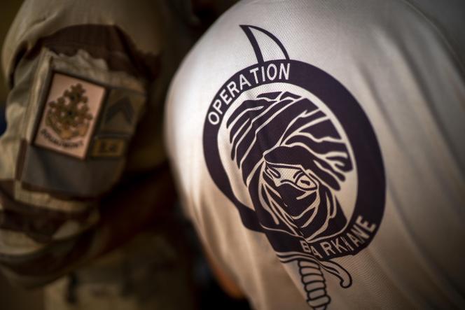 Des soldats français de l'opération« Barkhane» sur la base militaire de Gao, au Mali font leur paquettage avant de quitter le pays, le 9 juin 2021.