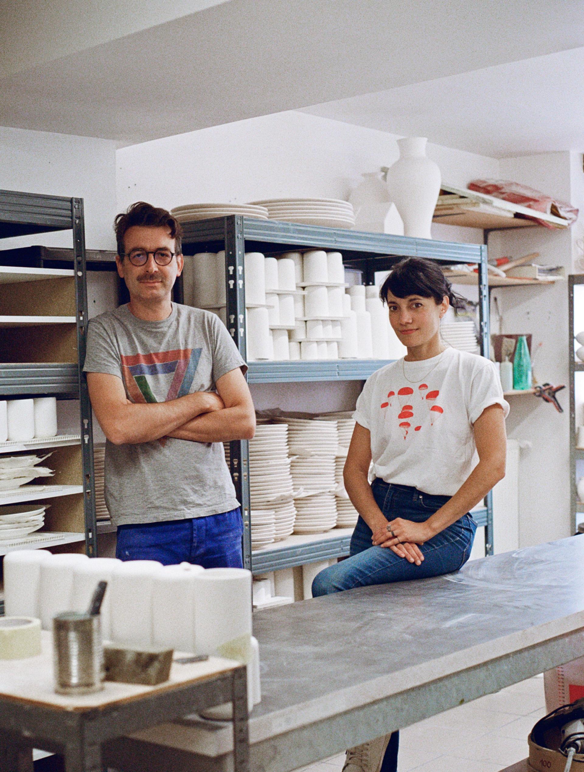 Jean-François Dumont et Carole Georges, dans leur atelier-boutique, à Nevers, le 4juin 2021.