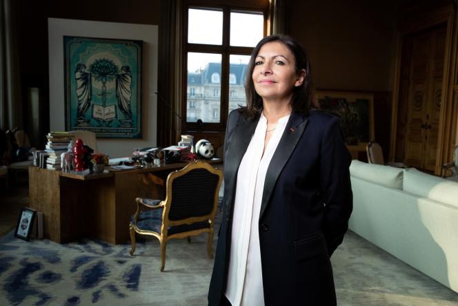 The mayor of Paris, Anne Hidalgo, in her office at the Hôtel de Ville, in January 2020.