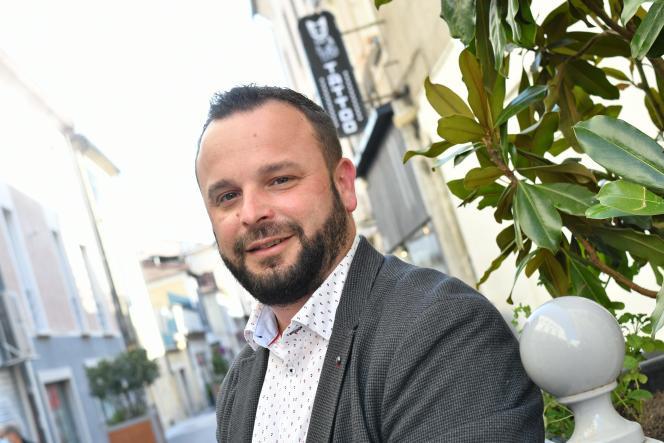 Arnaud Bord (PS), chef de file des socialistes dans le Gard, à Alès, le 1er mai.