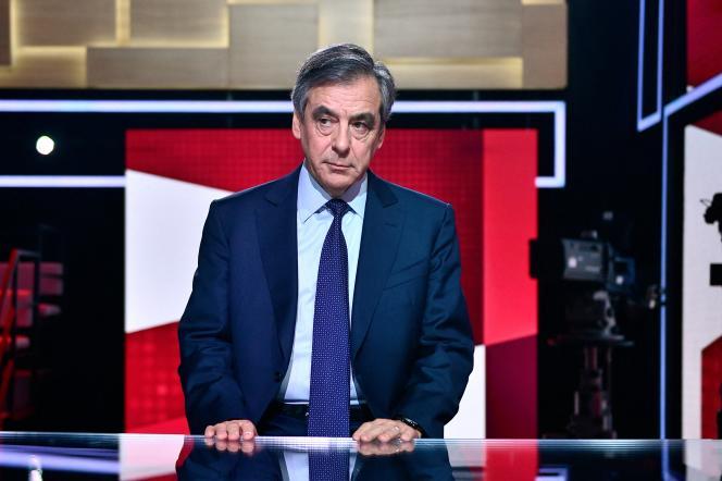 L'ancien premier ministre François Fillon sur un plateau de télévision, en janvier 2020.