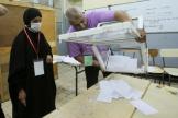 Dépouillement en cours dans un bureau de vote d'Alger, en Algérie, samedi 12 juin 2021.