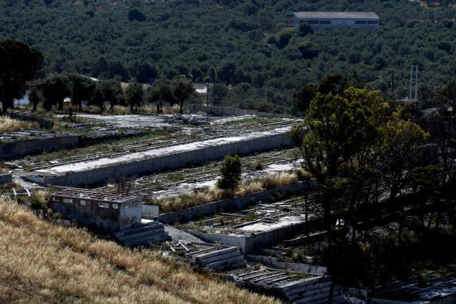 Les ruines du camp pour migrants et réfugiés de Moria, sur l'île de Lesbos, en Grèce,le 3 juin 2021, détruit par un incendie les 8 et 9 septembre 2020.