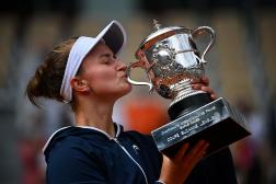 Barbora Krejcikova a remporté, samedi, la coupe Suzanne Lenglen, récompensant la vainqueure de Roland-Garros.