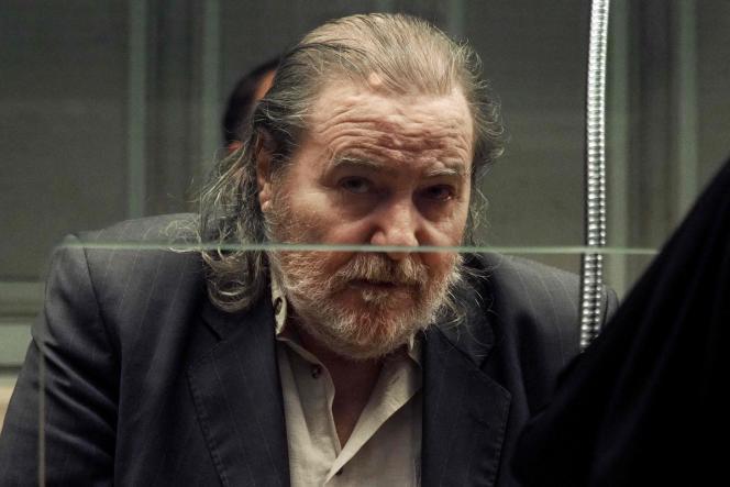 Jacques Rançon assis dans le box des accusés, au palais de justice de Perpignan, le 26 mars 2018, au dernier jour de son procès pour les viols et meurtres présumés de deux femmes ainsi que pour deux tentatives de viols entre 1997 et 1998 près de la gare de Perpignan.
