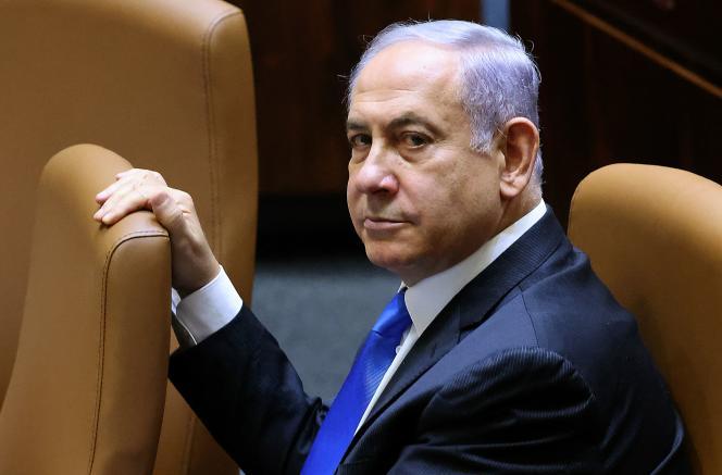 Le premier ministre israélien, Benyamin Nétanyahou, assiste à la session spéciale sur la formation d'un nouveau gouvernement à la Knesset, le 13juin2021.