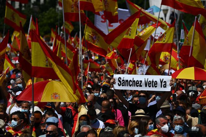 Manifestation à Madrid contre les grâces que Pedro Sanchez entend accorder aux indépendantistes catalans, dimanche 13 juin 2021.