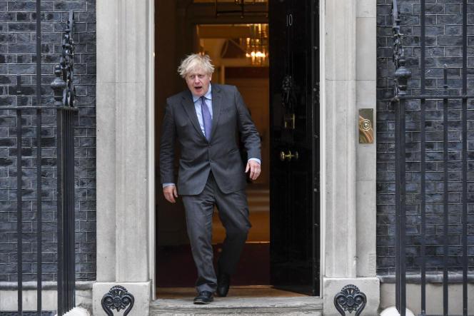 Le premier ministre britannique, Boris Johnson, à sa sortie du 10 Downing Street, lundi 14juin2021, à Londres.