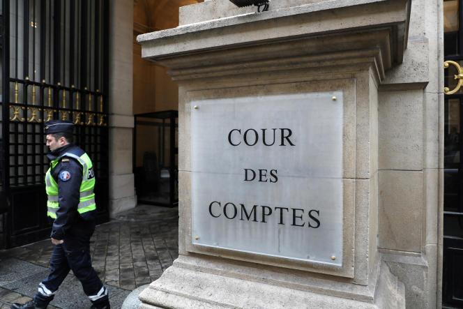 La Cour des comptes a relevé des surcoûts importants, notamment en matière de dépenses de personnel.
