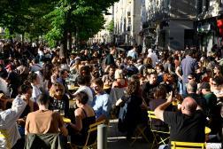 A la terrasse d'un café à Marseille, le 19 mai 2021.
